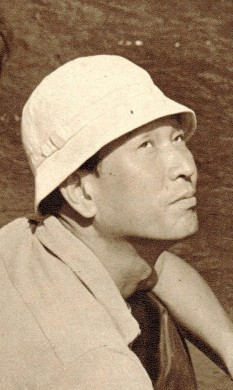 Akira Kurosawa (n. 23 martie 1910 - d. 6 septembrie 1998) a fost un important regizor, producător și scenarist japonez, considerat unul dintre cei mai de valoare artiști din țara sa, și printre numele mari ale cinematografiei universale - in imagine, Akira Kurosawa la filmarea filmului Seven Samurai (1953) - foto: ro.wikipedia.org
