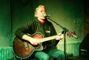Ducu Bertzi (n. 21 septembrie 1955, Sighet), cantautor și folkist român - foto: ro.wikipedia.org
