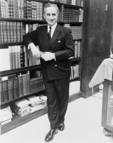 Elia Kazan (n. 7 septembrie 1909 – d. 28 septembrie 2003) regizor de film și teatru, dramaturg, producător de film și teatru, scenarist și nuvelist american de origine greacă - foto: ro.wikipedia.org