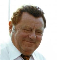 Franz Josef Strauß, uneori scris Strauss (n. 6 septembrie 1915, München – d. 3 octombrie 1988, Regensburg) om politic german (CSU), prim-ministru al landului Bavaria între 1978-1988 - foto - ro.wikipedia.org