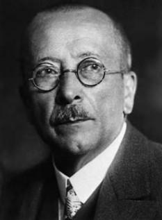 Fritz (Friderik) Pregl (n. 3 septembrie 1869 la Ljubljana — d. 13 decembrie 1930 la Graz) chimist sloven, laureat al Premiului Nobel pentru chimie (1923) - foto - ro.wikipedia.org