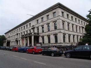 Führerbau, clădirea în care a fost semnat acordul, este astăzi o şcoală, Hochschule für Musik und Theater München - foto: ro.wikipedia.org