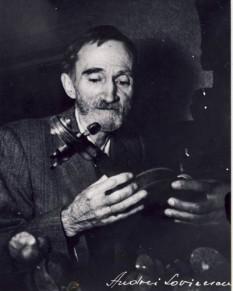 George Bacovia (n. 17 septembrie 1881 (S.V. 4 septembrie), Bacău – d. 22 mai 1957, București) scriitor român format la școala simbolismului literar francez - foto - ro.wikipedia.org
