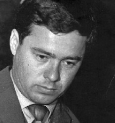 Ion Băieșu (pseudonimul literar al lui Ion Mihalache[1], n. 2 ianuarie 1933, Aldeni, județul Buzău - d. 21 septembrie 1992, București) a fost un scriitor român, dramaturg și autor de scenarii pentru televiziune și film - foto:  radioromaniacultural.ro