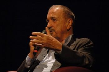 Jean-Claude Carrière (n. 19 septembrie 1931, Colombières-sur-Orb, Hérault, Franța) scenarist renumit (nominalizat pentru creațiile sale de două ori la Oscar) și actor - foto (Jean-Claude Carrière în 2008): ro.wikipedia.org