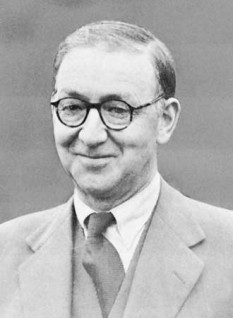 Sir John Douglas Cockcroft (n. 27 mai 1897 – d. 18 septembrie 1967) fizician britanic, laureat al Premiului Nobel pentru Fizică în 1951, împreună cu colaboratorul său, Ernest Walton, pentru experimentele de fisionare a nucleului atomic efectuate la Universitatea Cambridge la începutul anilor 1930 - foto: ro.wikipedia.org
