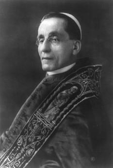 Benedict al XV-lea, născut Giacomo della Chiesa, (n. 21 noiembrie 1854, Genova, d. 22 ianuarie 1922, Vatican) - foto - ro.wikipedia.org