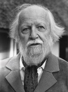 Sir William Gerald Golding (19 septembrie 1911 – 19 iunie 1993) romancier britanic, laureat al Premiului Nobel pentru literatură în 1983 - foto: ro.wikipedia.org
