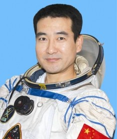 Zhai Zhigang (born October 10, 1966) is an officer in the People's Liberation Army Air Force and a CNSA astronaut. During the Shenzhou 7 mission in 2008, he became the first Chinese citizen to carry out a spacewalk - foto: astronaut.ru