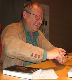 Adam Michnik, (n. 17 octombrie 1946),  istoric, eseist, fost disident, intelectual public și redactor șef al celui mai mare ziar polonez - Gazeta Wyborcza - foto: ro.wikipedia.org