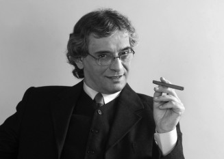 Adrian Virgil Pintea (n. 9 octombrie 1954, Beiuș – d. 8 iunie 2007, București), renumit actor român de teatru, film și televiziune care a adus o contribuție deosebita scenei și cinematografiei românești - foto: cinemagia.ro