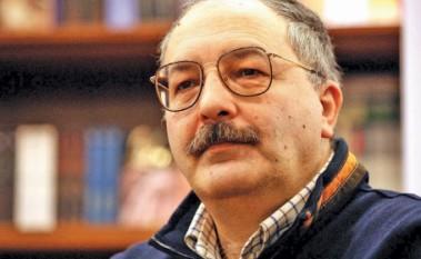 Alex Mihai Stoenescu (n. 2 octombrie 1953, București), istoric, scriitor și politician român - foto: nasul.tv