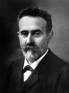 Alphonse Bertillon (24 April 1853 – 13 February 1914) was a French police officer and biometrics researcher who applied the anthropological technique of anthropometry to law enforcement creating an identification system based on physical measurements - foto: en.wikipedia.org