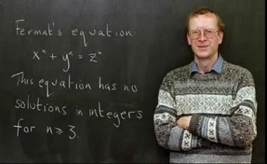 Sir Andrew John Wiles (n. 11 aprilie 1953), matematician englez și profesor la Universitatea Princeton. Este cunoscut mai ales pentru faptul că a descoperit demonstrația Marii teoreme a lui Fermat în 1994 - foto: cersipamantromanesc.wordpress.com