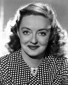 Ruth Elizabeth Davis (cunoscută ca Bette Davis, n. 5 aprilie 1908 – d. 6 octombrie 1989), actriță americană de teatru, film și televiziune, laureată de două ori a Premiului Oscar -  foto: ro.wikipedia.org