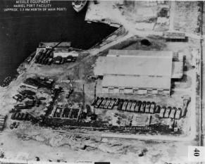Criza rachetelor cubaneze - O fotografie a serviciilor de spionaj americane care releva  construirea unei baze de rachete sovietice in Cuba, la nord de Mariel - foto: cersipamantromanesc.wordpress.com