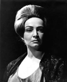 Maria Constantina (Dina) Cocea (n. 27 noiembrie 1912, București - d. 28 octombrie 2008, București), actriță română. A desfășurat o prestigioasă activitate teatrală la Teatrul Național București și Teatrul Național Radiofonic, având apariții rare, dar memorabile, pe micul sau marele ecran foto: cinemarx.ro