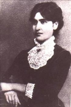 Ella L. Negruzzi (sau Elena Negruzzi, n. 11 septembrie 1876, Hermeziu, județul Iași - d. 19 decembrie 1949, București), juristă română, manifestându-se în perioada interbelică ca o figură proeminentă în mișcarea feministă din România - foto: ro.wikipedia.org