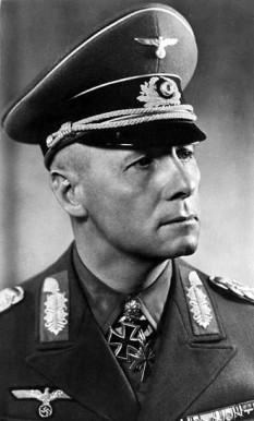 Erwin Johannes Eugen Rommel (n. 15 noiembrie 1891 – d. 14 octombrie 1944), unul dintre cei mai distinși și remarcabili feldmareșali ai Germaniei, ai Wehrmacht-ului și al celui de-al doilea război mondial, fiind totodată unul dintre cei mai mari comandanți militari germani. Rommel a fost comandatul general al trupelor germane din Africa, trupele Wehrmacht-ului cunoscute sub numele de Deutsches Afrikakorps, ceea ce i-a atras porecla vulpea deșertului (în germană, Wüstenfuchs, Sunet listen) datorită campaniilor militare reușite pe care le-a repurtat pentru armata germană în Campania din Africa de nord. Mai târziu, a fost numit comandantul forțelor germane menite să se opună invaziei aliaților din Normandia - foto: ro.wikipedia.org