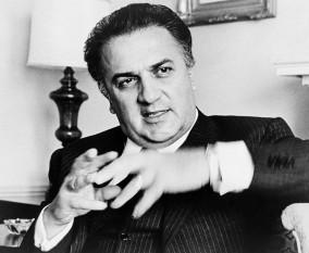 Federico Fellini (n. 20 ianuarie 1920 la Rimini, Italia - d. 31 octombrie 1993 la Roma), reputat regizor și scenarist italian, laureat al mai multor premii internaționale, între care și premiul Oscar (pe care l-a câștigat de patru ori, al cincilea primindu-l onorific) foto: ro.wikipedia.org