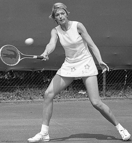 Florența Mihai (n. 2 septembrie 1955, București - d. 14 octombrie 2015, București) a fost o jucătoare de tenis română. A jucat în două finale (simplu și dublu mixt) la turneul de tenis de la Roland Garros în 1977. La simplu a pierdut în fața jucătoarei iugoslave Mima Jaušovec, iar la dublu mixt (împreună cu columbianul Iván Molina) în fața cuplului John McEnroe/ Mary Carillo. La dublu feminin juca deseori cu Mariana Simionescu - foto: bucurestifm.ro