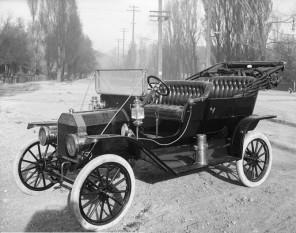 Ford T (1908) - foto: ro.wikipedia.org