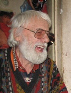 Francisc Baranyai (n. 3 octombrie 1923, Arad) este un pictor român - foto (Francisc Baranyai, poza realizata in atelierul sau din Arad in 2009): ro.wikipedia.org