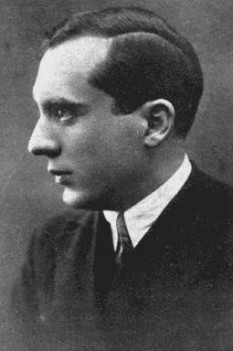 Gib I. Mihăescu (n. 23 aprilie 1894, Drăgășani - d. 19 octombrie 1935, București), a fost un prozator, romancier și un dramaturg român interbelic. A fost decorat pentru acte de bravură în timpul primului război mondial -  foto: ro.wikipedia.org