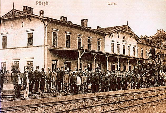 Ceferiştii de la Depoul Piteşti, în fruntea primei greve generale din istoria României - foto: universulargesean.ro