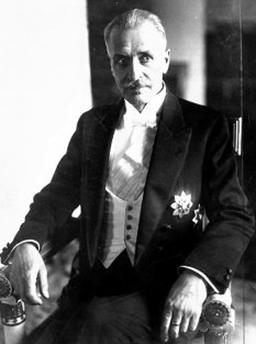 Ignacy Mościcki (n. 1 decembrie 1867 – d. 2 octombrie 1946), chimist polonez, politician și Președinte al Republicii Polone (1926–39). El a fost cel mai longeviv președinte al Poloniei (13 ani) - foto - ro.wikipedia.org