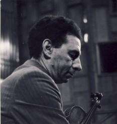 Ion Voicu (n. 8 octombrie 1923, București - d. 24 februarie 1997), celebru violonist român, fost elev al marelui George Enescu - foto: ro.wikipedia.org