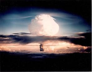31 octombrie 1952: Operațiunea Ivy - Explozia primei bombe cu hidrogen a Statelor Unite foto: ro.wikipedia.org