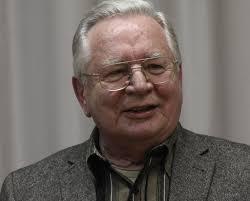 Mátyás Szűrös (n. 11 septembrie 1933, la Püspökladány, Ungaria), politician maghiar, care a fost președinte provizoriu al Ungariei, din 8 octombrie 1989, până în 2 mai 1990. A fost primul președinte al celei de-a III-a Republici Ungare, în perioada de tranziție de la comunism la democrație - foto: hirekma.hu