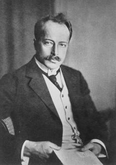 Max Theodor Felix von Laue (n. 9 octombrie 1879, Pfaffendorf, lângă Koblenz — d. 24 aprilie 1960, Berlin), fizician german, profesor universitar la Berlin și Göttingen, laureat al Premiului Nobel pentru Fizică în anul 1914 - foto: ro.wikipedia.org