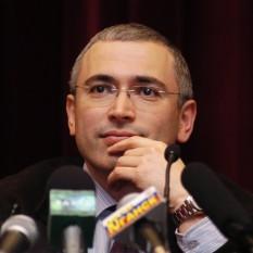 Mihail Hodorkovski, bogat om de afaceri rus, fost președinte al grupului petrolier Iukos - foto (Hodorkovski în 2001): ro.wikipedia.org