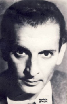 Miron Radu Paraschivescu (n. 2 octombrie 1911, Zimnicea — d. 17 februarie 1971, București), poet, eseist și publicist român, personalitate a orașului Vălenii de Munte - foto: ro.wikipedia.org