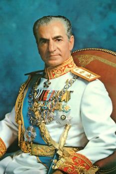 Mohammad Reza Șah Pahlavi (n. 26 octombrie 1919 în Teheran; d. 27 iulie 1980 în Cairo), fiul Șahului Reza Pahlavi al Persiei (Iran) și ultimul monarh al Iranului - foto: ro.wikipedia.org