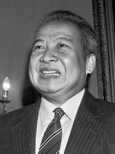 Norodom Sihanouk (31 octombrie 1922 – 15 octombrie 2012), rege al Cambodgiei din 1941 până în 1955 și din nou din 1993 până în 2004. A fost conducător efectiv al Cambodgiei din 1953 până în 1970. După cea de-a doua abdicare în 2004, a fost cunoscut drept Regele-Tată al Cambodgiei (Preahmâhaviraksat), o poziție în care a păstrat multe dintre responsabilitățile sale anterioare, ca monarh constituțional - foto (Rege al Cambodgiei (primul mandat)): ro.wikipedia.org