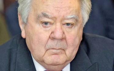 Oliviu Gherman (n. 26 aprilie 1930, Sânmihaiu de Sus, pe atunci în județul Turda) , fizician, politician și diplomat român. A fost senator în legislaturile 1990-1992, 1992-1996, 1996-2000 și 2000-2004, ales în județul Dolj pe listele partidului FSN, apoi ales senator în circumscripția electorală nr.41 BUCUREȘTI. A fost președintele partidului FDSN (devenit ulterior PDSR), în perioada 1992-1996. A demisionat din Senat pe data de 27 august 2001 și a fost înlocuit de Constantin Alexa. Senator F.S.N. (1990-1992), F.D.S.N. (1992-1996), P.D.S.R. (1996-2000, 2000-2004), președinte al F.D.S.N. (1992-1996), președinte al Senatului (1992-1996). Din 2001 Oliviu Gherman a fost ambasador la Paris foto: adevarul.ro