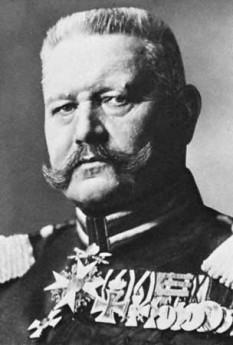 Paul Ludwig Hans Anton von Beneckendorff und von Hindenburg (n. 2 octombrie 1847, Posen – d. 2 august 1934, Gut Neudeck, Prusia), militar (cu gradul suprem de Generalfeldmarschall) și politician german. A fost al doilea Președinte al Republicii de la Weimar - foto - ro.wikipedia.org