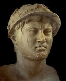 Pyrrhus din Epir (scris și Pyrrhos sau Pirus). Rege al moloșilor, populație greacă din regiunea Epir (306 - 302 și 297 - 272 î.Hr.) și al Macedoniei (288 - 284, 273 - 272 î.Hr.). S-a remarcat ca un mare general, cunoscute fiind mai ales luptele sale din sudul Italiei împotriva statului roman - foto: ro.wikipedia.org