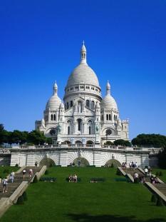 Bazilica Sacré-Coeur, biserică situată în Piața St. Pierre, pe colina Montmartre din Paris, Franța - foto: ro.wikipedia.org