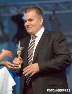 Șerban Alexandru Brădișteanu (n. 21 mai 1951, Sadova, Dolj), medic chirurg român. În legislatura 2000-2004 a fost senator de Vâlcea din partea PSD - foto: gorj-domino.ro