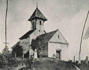 Biserica Sf. Gheorghe din Streisângeorgiu. Pronaosul din secolul 18, înainte de demolare. Imagine din arhiva CMI, ante 1926 - foto - ro.wikipedia.org