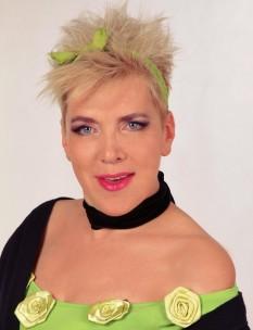 Silvia Dumitrescu (n. 3 octombrie 1959, București) este o interpretă de muzică pop din România - foto: facebook.com