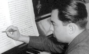 Tiberiu Olah, în maghiară Oláh Tibor, (n. 2 ianuarie 1928, Arpad, azi Arpășel - d. 2 octombrie 2002, Târgu Mureș), compozitor, profesor și muzicolog român de etnie maghiară - foto: cinemagia.ro