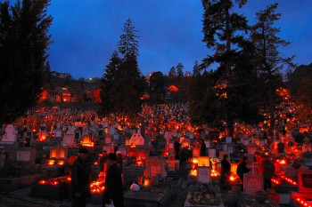 All Saints' Day, Ziua Mortilor,Brasov,Romania foto: flickr.com