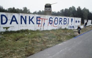 1990: Reunificarea Germaniei- Germania de Est aderă la Germania de Vest, astfel ziua de 3 octombrie înlocuiește ziua de 17 iunie ca zi de sărbătoare națională a Germaniei - foto: ro.wikipedia.org