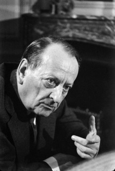 André Malraux, nume schimbat din André Berger (n. 3 noiembrie 1901, Paris - d. 23 noiembrie 1976, Créteil), scriitor, ziarist și om politic francez. În tinerețe a dus o viață foarte aventuroasă, angajându-se și în agitațiile politice de diferite nuanțe. foto: ro.wikipedia.org