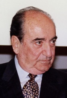 Constantine Mitsotakis (Greek: Κωνσταντίνος Μητσοτάκης Konstantinos Mitsotakis; born 31 October [O.S. 18 October] 1918), is a Greek politician and former Prime Minister of Greece - foto: en.wikipedia.org